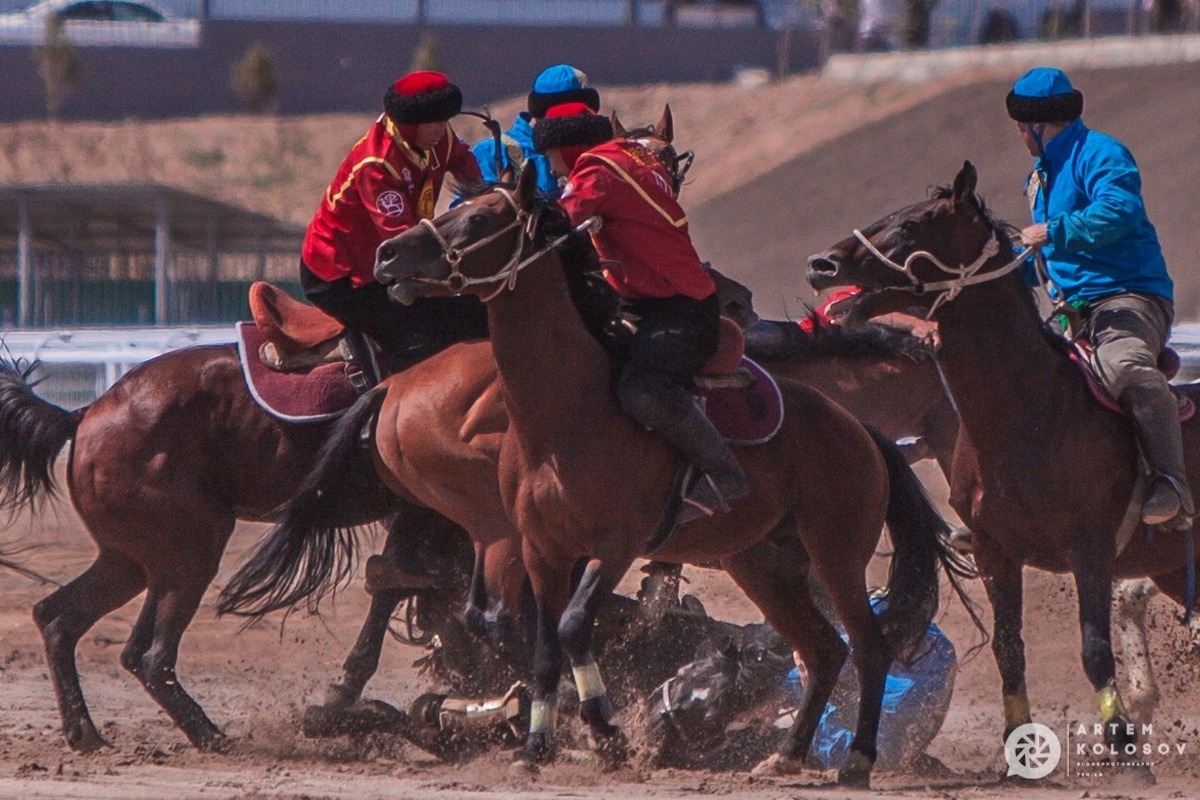 Final Match in Kok Boru. Kyrgyzstan-Kazakhstan (photographer A.Kolosov)